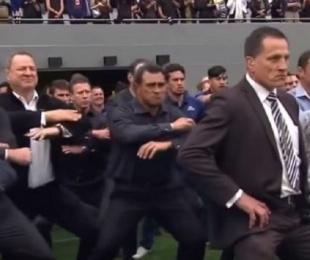 foto: El Haka más emotivo: All Blacks en el funeral de Lomu