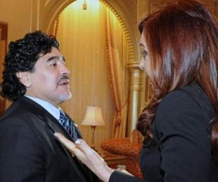 foto: Diego Maradona le envió un regalo a Cristina Kirchner