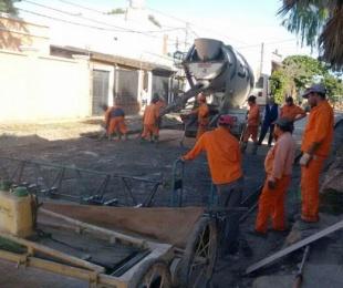 foto: Plan de 70 cuadras: comenzaron a pavimentar la calle Castelli