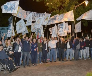 foto: Ríos acompañó el homenaje  al expresidente Néstor Kirchner