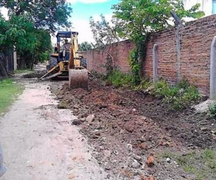 foto: El Municipio capitalino recupera calles de tierra en el Bº Anahí