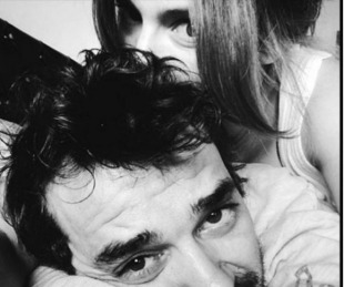 foto: Paula Chaves y un divertido escrache a Pedro Alfonso