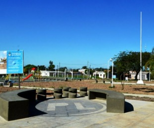 foto: Presentaron la Plaza del Bº