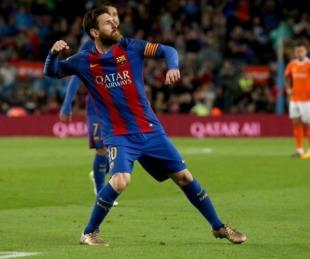 foto: Con 2 goles de Messi, Barcelona venció al Osasuna y es líder