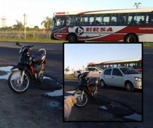 foto: Motociclista resultó herido tras chocar contra un auto sobre ruta 12
