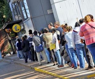 foto: Hoy comenzó el pago del medio aguinaldo a estatales