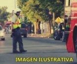 foto: Agente de tránsito fue brutalmente agredido por chofer de un micro
