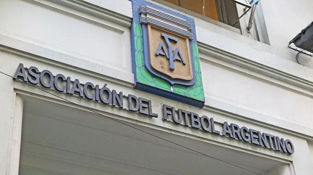 foto: AFA emitió un comunicado tras el polémico manual de conquista