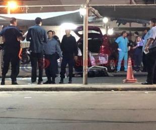 Conmoción en Corrientes: asesinaron a un hombre en el estacionamiento de un supermercado