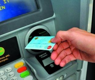 foto: Provincia inicia el pago del plus de $4.500 pesos para estatales