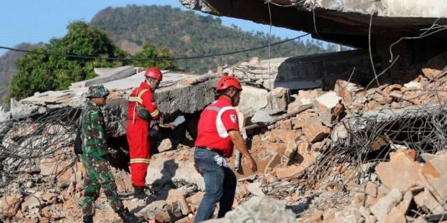 foto: Un terremoto de 6,3 sacudió la isla de Lombok