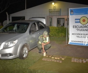 foto: Incautaron marihuana en Villa Olivari y detuvo a una persona