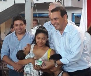 foto: Valdes encabezó al entrega de las  tarjetas Mamá Mbareté