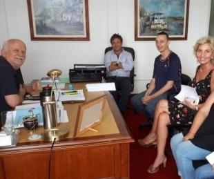foto: Guías de turismo urbano presentaron proyecto al intendente Osella