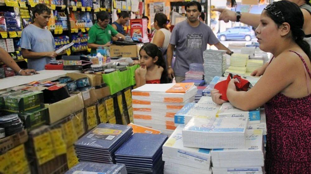 foto: Canasta escolar aumentó 42% y preparan cuotas sin interés
