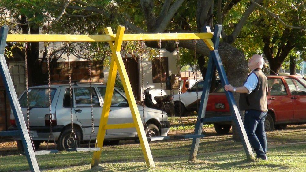 foto: En la plaza del Bº Eucalipto se colocaron juegos para los niños