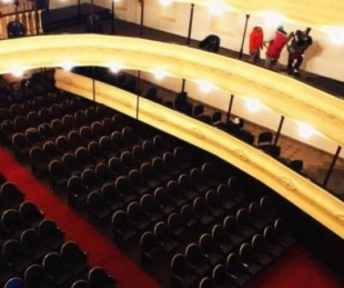foto: Velada Folklórica en el teatro municipal