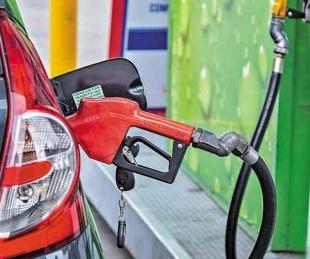 foto: Petroleras anunciaron aumentos de combustibles tras la suba del dólar