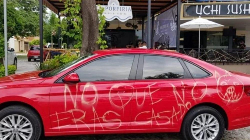 foto: No que no eras casado: rayaron el auto de un hombre infiel