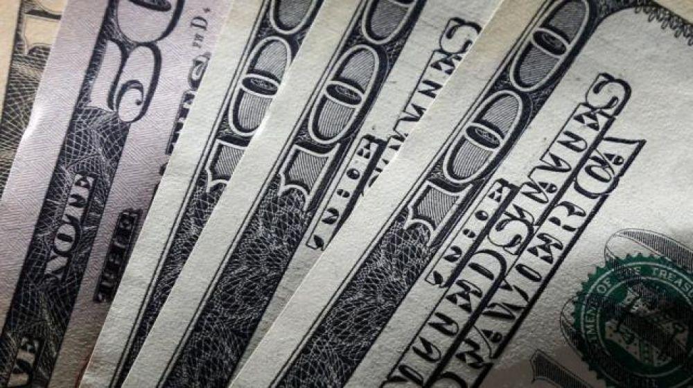 foto: El BCRA vendió otros USD 94 millones y el dólar cayó a $57,27