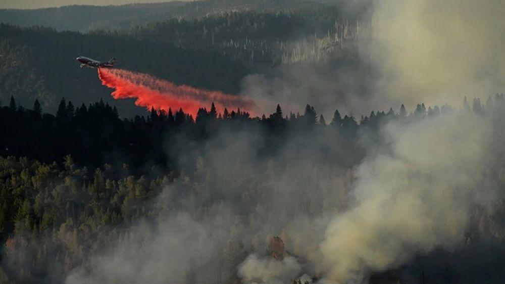 foto: Incendio en el Amazonia: Avión cisterna comenzó a operar