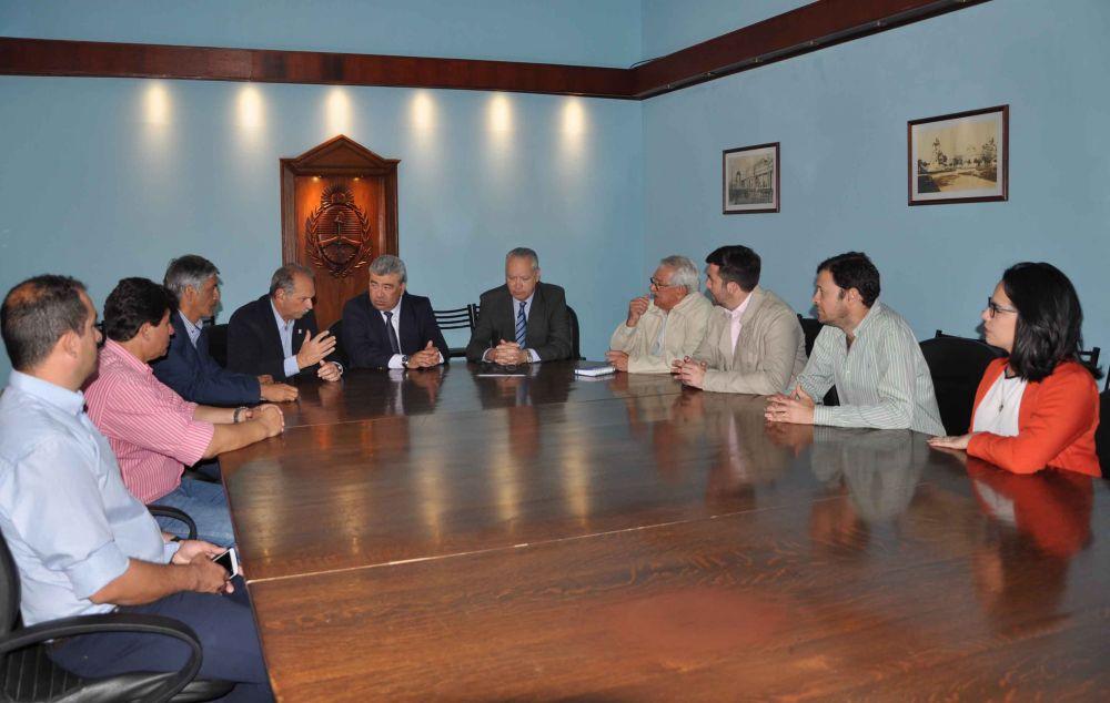 foto: Provincia firmó un acuerdo para trabajar en la producción  de alimentos