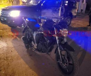 foto: Detuvieron a un sujeto que intentó escapar en una moto robada