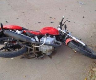 foto: Iba de acompañante en una moto y murió tras chocar una camioneta