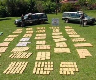foto: Incautan más de 800 kilos de droga abandonados en el monte