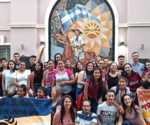 foto: Alumnos de 6to año de Riachuelo visitan Buenos Aires