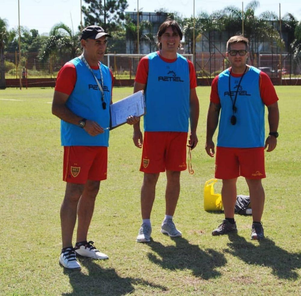 Roberto Marioni asumió como técnico interino de Boca Unidos