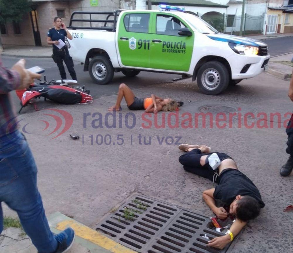 foto: Automovilista chocó a dos jóvenes, los dejó heridos y se dio a la fuga