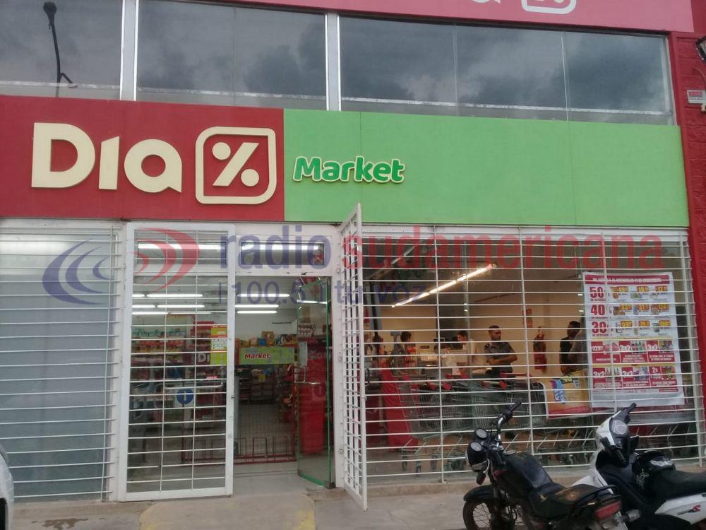 foto: Ingresaron a un supermercado y se llevaron dinero de la caja fuerte