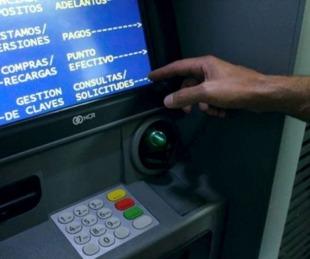 foto: Arranca el pago del plus de $6.500 a empleados estatales