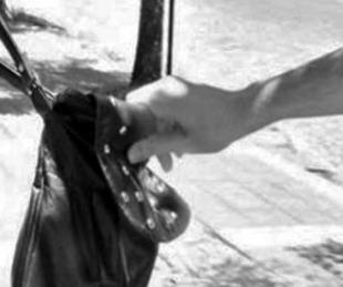 Mujer de 75 años está grave tras golpearse la cabeza en un arrebato