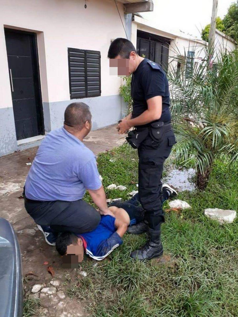 Atraparon a sujeto que intentó arrebatar la cartera a una mujer