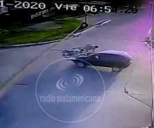foto: Impresionante video: así fue la colisión entre un auto que iba contramano y una motocicleta