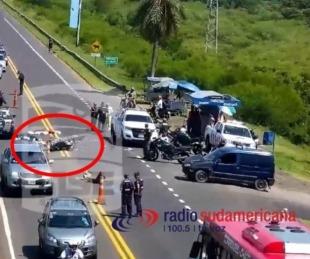 foto: Fuerte colisión entre vehículos sobre el puente causó demoras