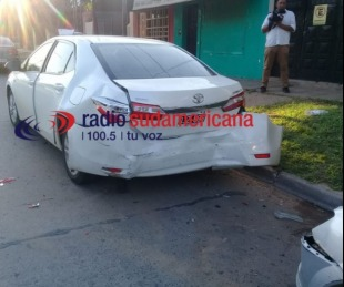 foto: Iba ebrio y a gran velocidad, perdió el control y embistió a dos autos