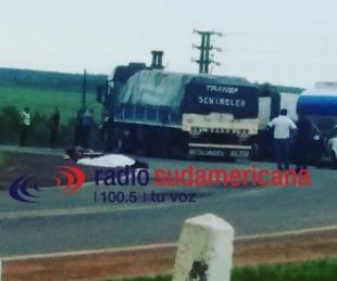 foto: Un hombre murió tras colisión entre una moto y un camión sobre ruta 14