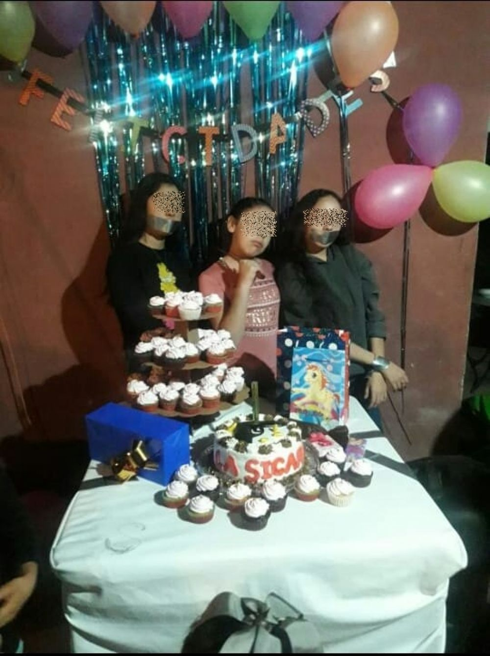 foto: La Sicaria, niña festeja su cumpleaños con temática de narcotráfico
