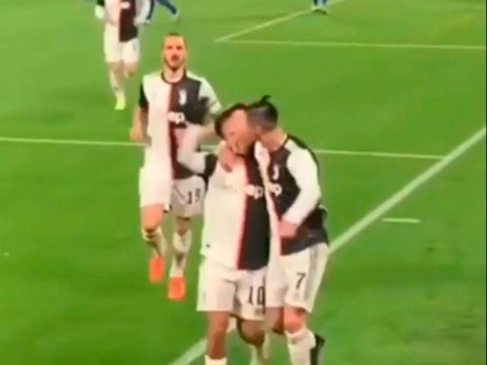 El beso entre Cristiano Ronaldo y Paulo Dybala que se volvió viral