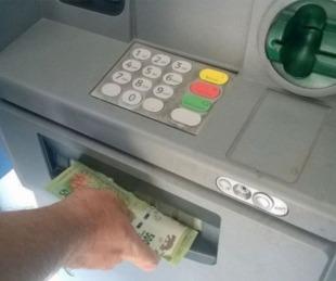 foto: Hoy arranca el pago del bono de $6.000 para trabajadores estatales