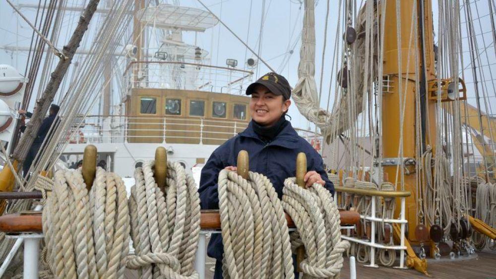 foto: Yesica, de Caá Catí a recorrer el mundo en la fragata ARA Libertad