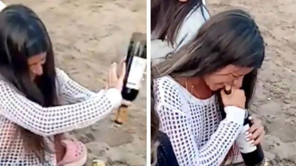 Furor por el método de una joven para abrir un vino sin sacacorcho