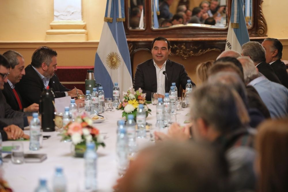 foto: El Gobernador se reunió con su Gabinete y les pidió trabajo
