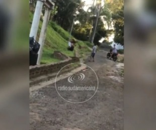 foto: Recibió una paliza y fue filmado: no encuentran al chico golpeado