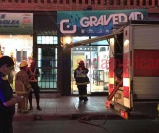 foto: Se incendió el subsuelo de un comercio en pleno centro