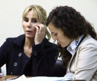 Ordenan detención de la mujer que mató al profesor de tenis Ruben Ré