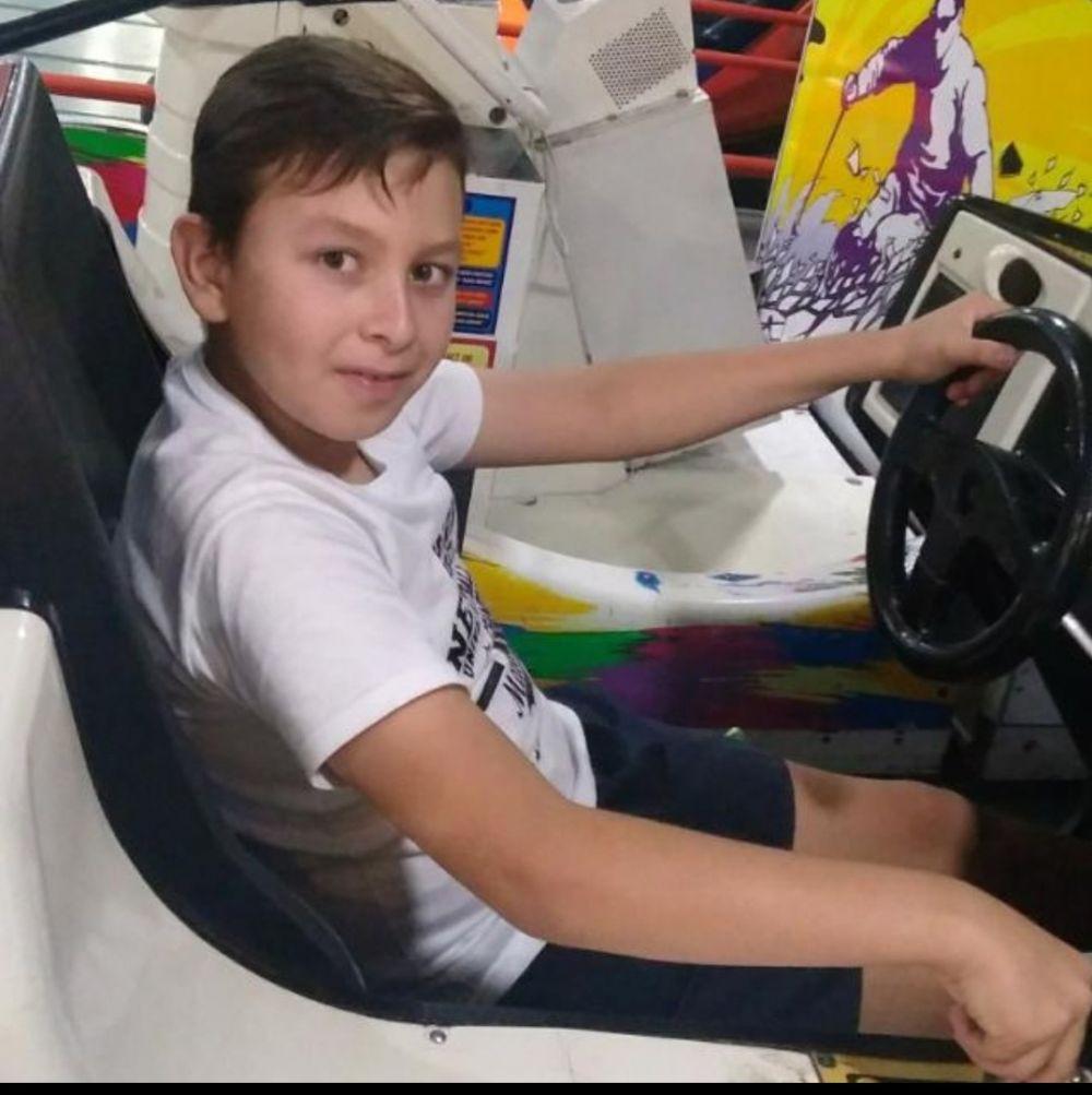 foto: Dani tiene 10 años y necesita una prótesis o le amputarán la pierna